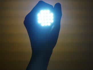 Lampe für den Grill für gute Beleuchtung