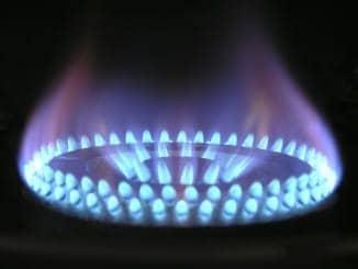 Eine blaue Glasflamme wie man sie vom Gasgrill kennt