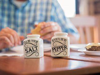 Salz und Pfeffer als klassisches Gewürz
